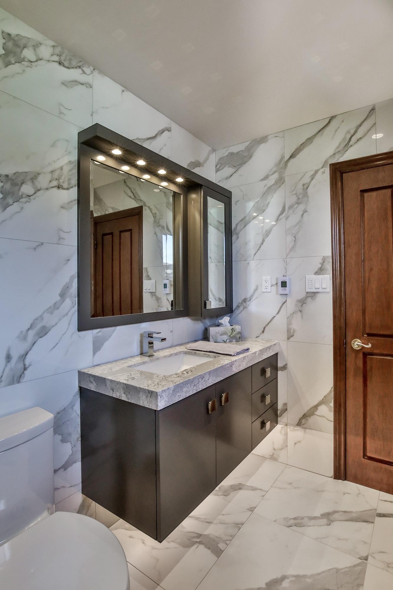 Small Bathroom Remodel Burlington Oakville