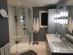 Walk-in Shower Ensuite
