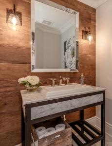 Modern Bathroom Vanity Remodel Oakville