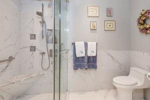 Glass Door Shower Small Bathroom