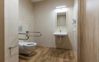 5 Ways to Improve Bathroom Accessibility